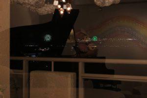 ピアノに花火2